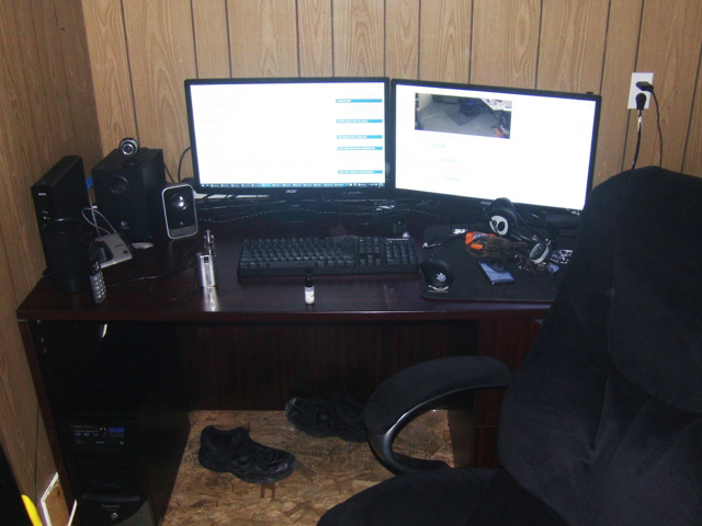 PC_Desk_MultiDisplay60_04.jpg