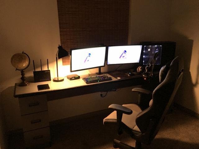 PC_Desk_MultiDisplay60_100.jpg