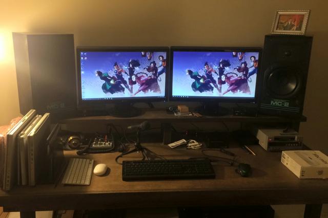 PC_Desk_MultiDisplay60_12.jpg