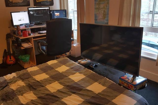PC_Desk_MultiDisplay60_13.jpg