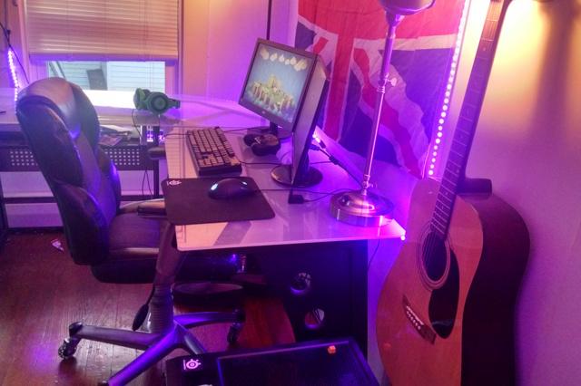 PC_Desk_MultiDisplay60_28.jpg