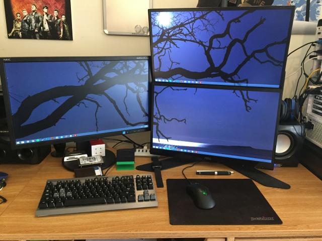 PC_Desk_MultiDisplay60_45.jpg