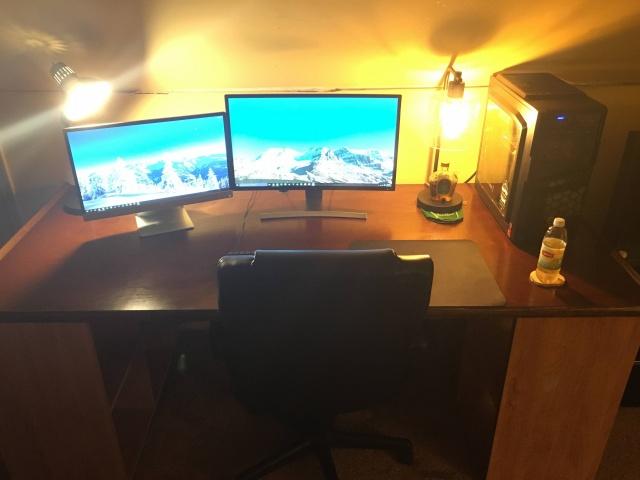 PC_Desk_MultiDisplay60_49.jpg