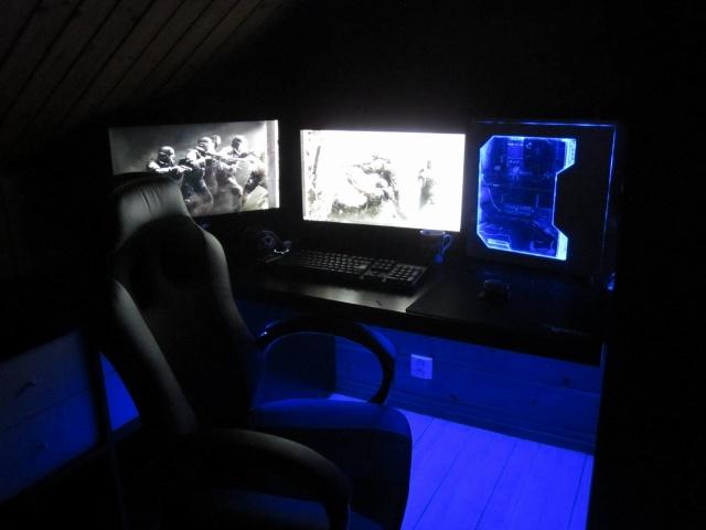 PC_Desk_MultiDisplay60_55.jpg