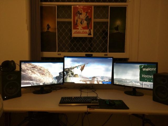 PC_Desk_MultiDisplay60_58.jpg