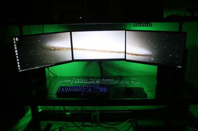 PC_Desk_MultiDisplay60_60.jpg