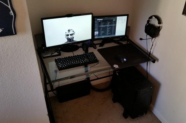 PC_Desk_MultiDisplay60_63.jpg