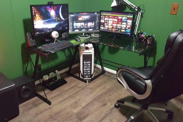 PC_Desk_MultiDisplay60_65.jpg
