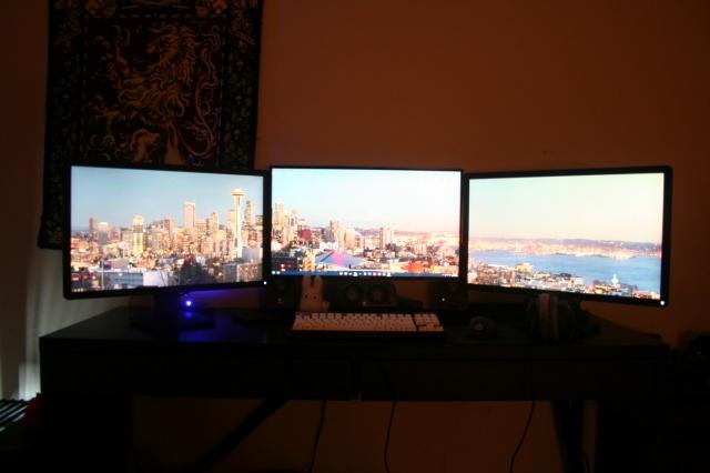 PC_Desk_MultiDisplay60_67.jpg