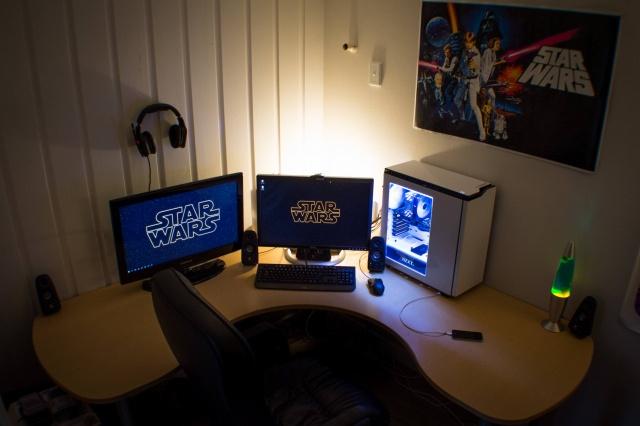 PC_Desk_MultiDisplay60_74.jpg