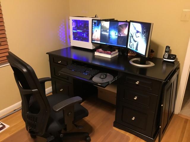 PC_Desk_MultiDisplay60_80.jpg