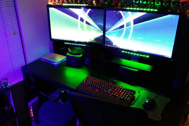 PC_Desk_MultiDisplay60_85.jpg