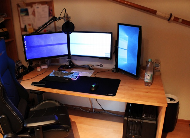 PC_Desk_MultiDisplay61_05.jpg