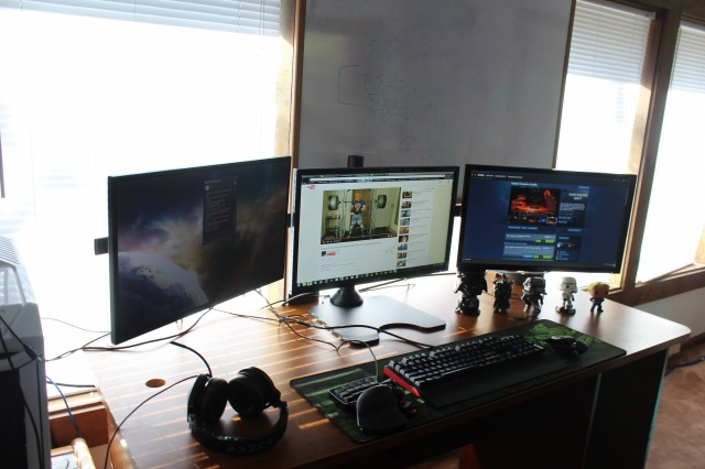 PC_Desk_MultiDisplay61_40.jpg