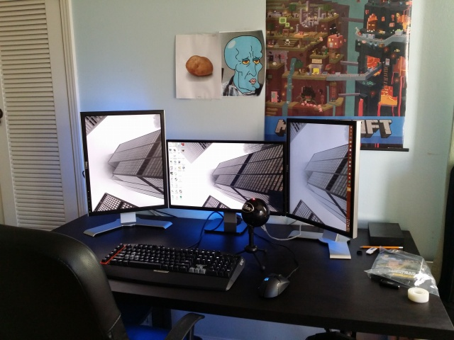 PC_Desk_MultiDisplay62_03.jpg