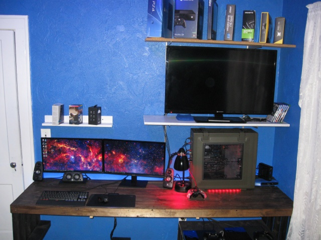 PC_Desk_MultiDisplay62_80.jpg