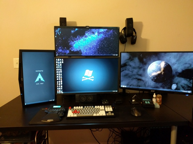 PC_Desk_MultiDisplay62_94.jpg
