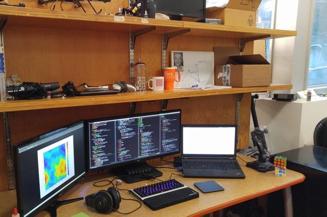 PC_Desk_UltlaWideMonitor07_28.jpg