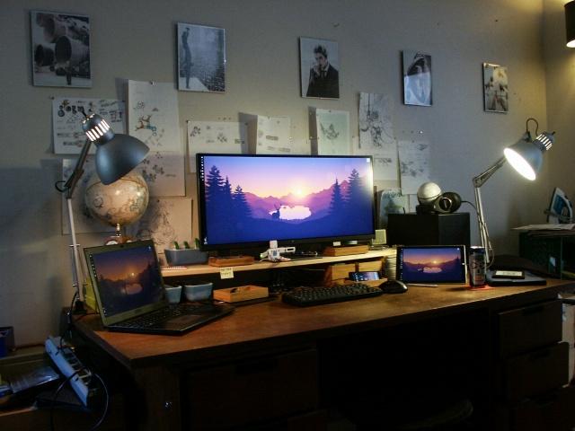 PC_Desk_UltlaWideMonitor07_37.jpg