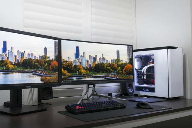 PC_Desk_UltlaWideMonitor07_43.jpg