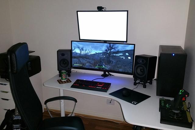 PC_Desk_UltlaWideMonitor07_94.jpg