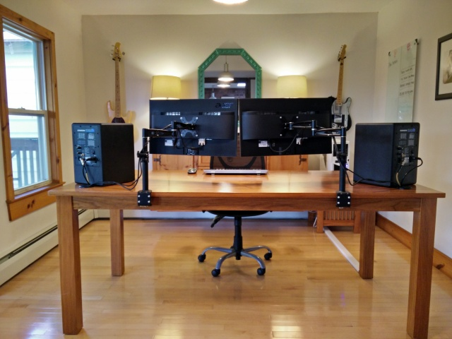 PCdesk_MultiDisplay57_71.jpg