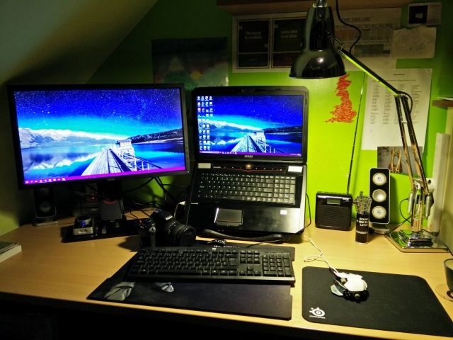 PCdesk_MultiDisplay57_99.jpg