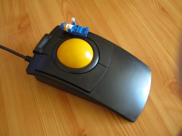 Trackball01_40.jpg