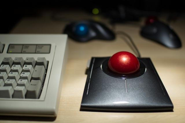 Trackball01_55.jpg