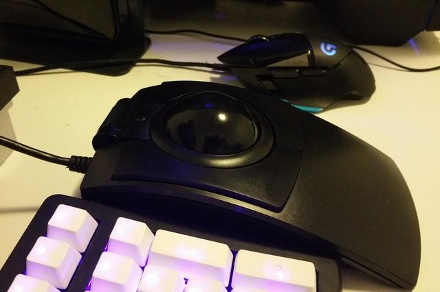 Trackball01_65.jpg