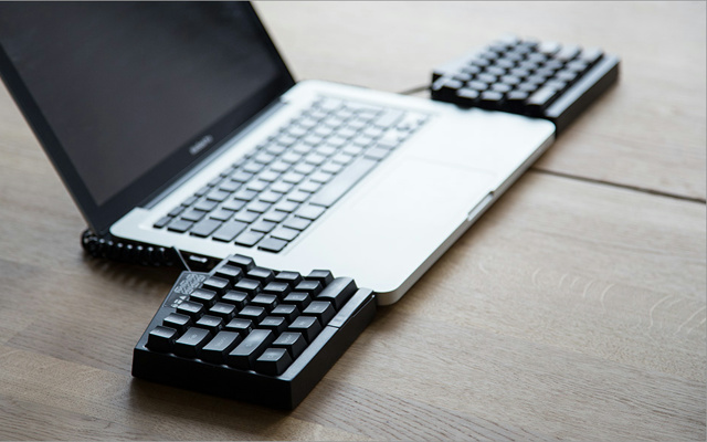 Ultimate_Hacking_Keyboard_08.jpg