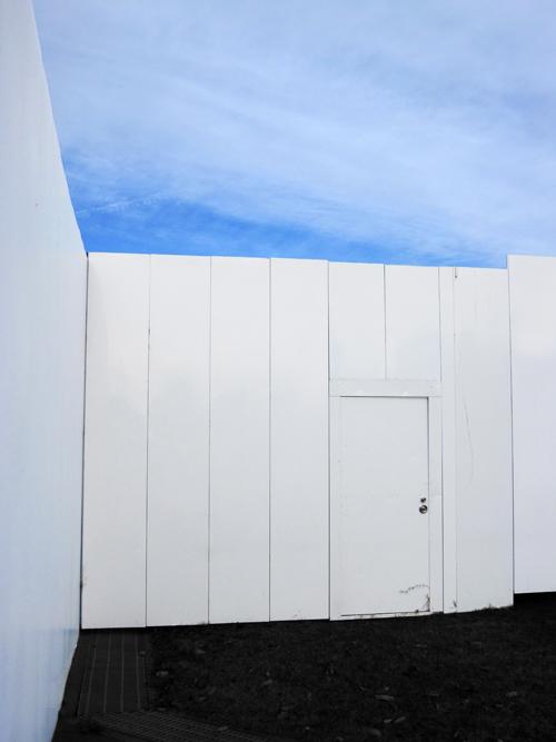 white_door_3.jpg