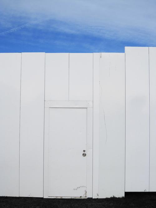 white_door_4.jpg