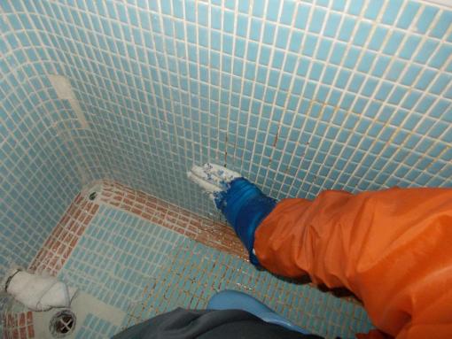 20151203_浴槽目地塗り込み