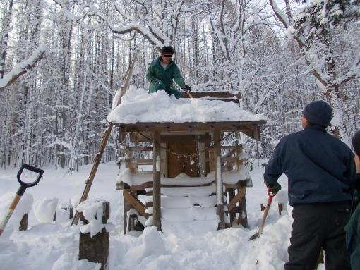 20151230_上名寄神社祠雪下ろし