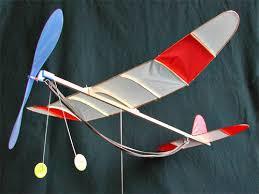 竹ひご飛行機