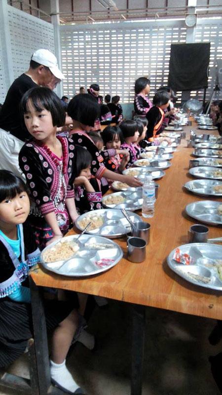 メオ小学校の給食!