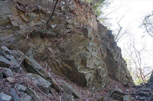 2粘板岩露頭