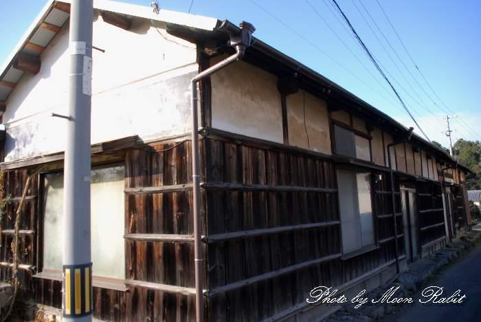 土塀のある旧家 愛媛県西条市