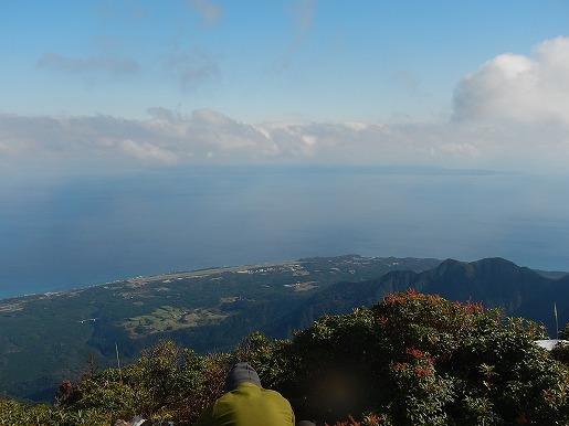 愛子岳から種子島を望む