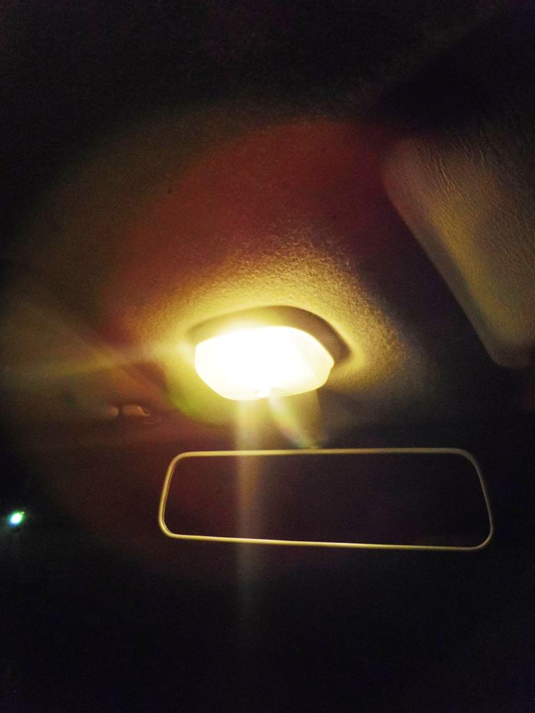 2015 1114 ラパン室内灯 暗い