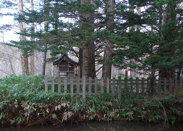 晩秋の上高地  2015 31 穂高神社奥宮