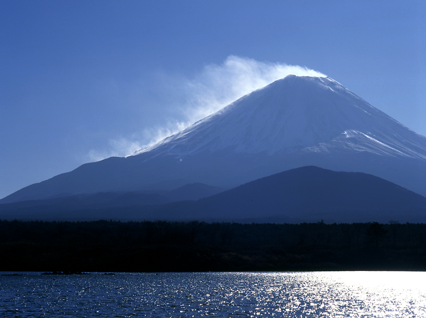 雪煙の富士03