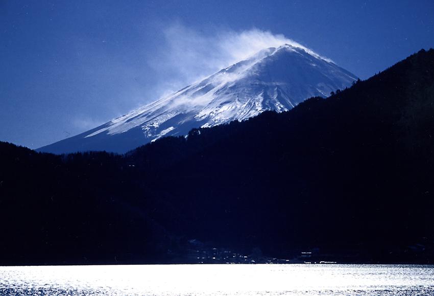 雪煙の富士04
