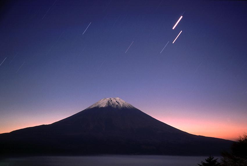 明け行く富士01