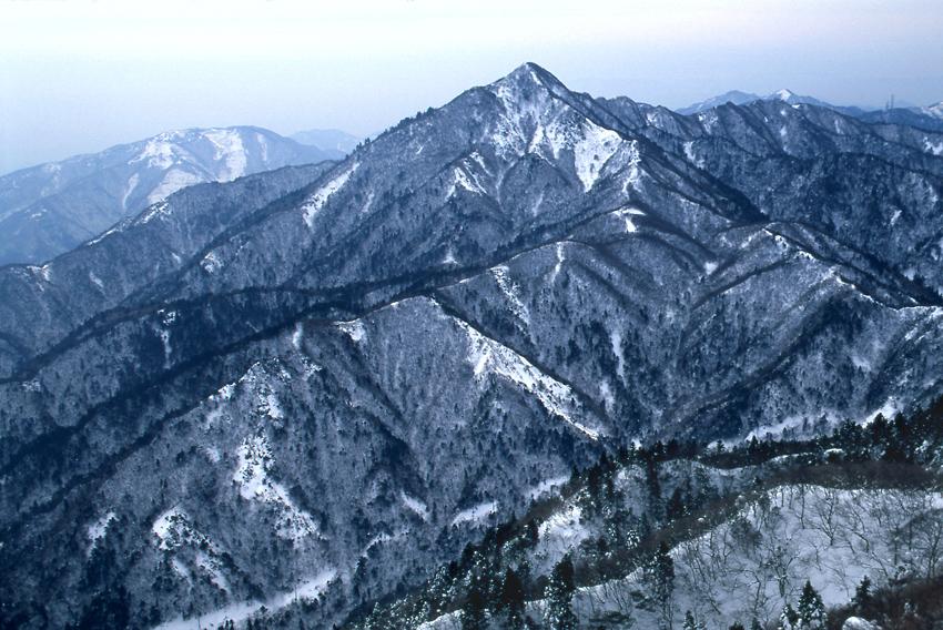 鈴鹿の山(冬)02