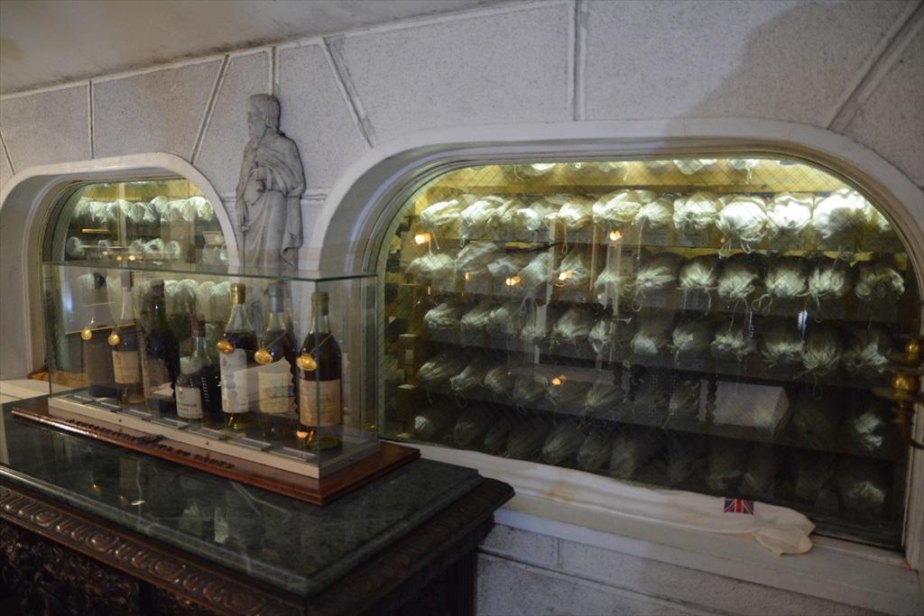 地下のワインセラーに_6