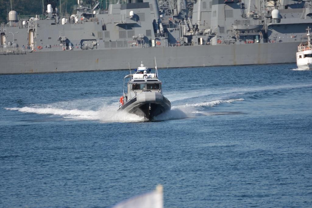 行き交う警備船など_2