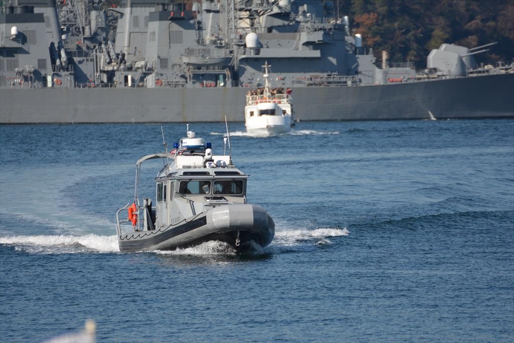 行き交う警備船など_3