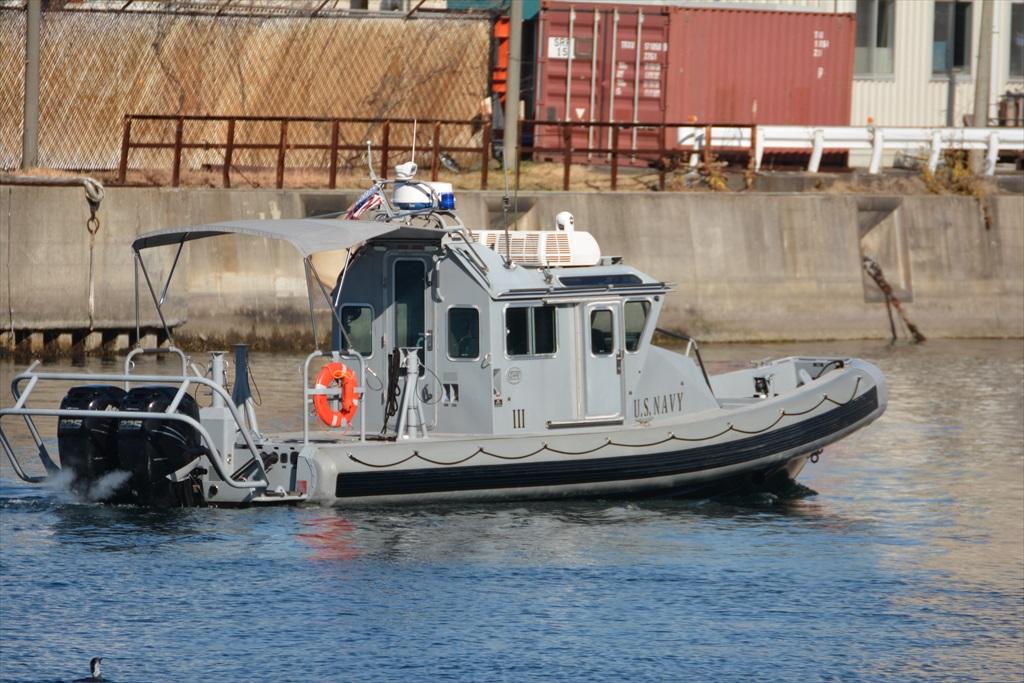 行き交う警備船など_4